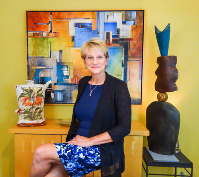 Carolyn Edlund, Founder of ArtsyShark.com