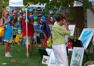 shoppers at art fair