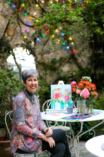 Artist Susan Hurwitch painting in Paris. by artist Susan Hurwitch. See her portfolio by visiting www.ArtsyShark.com